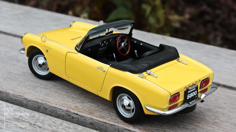 Honda S 800 AutoArt (37)