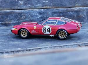 Ferrari 365 GTB 4 Kyosho (7)