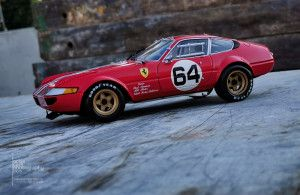 Ferrari 365 GTB 4 Kyosho (15)